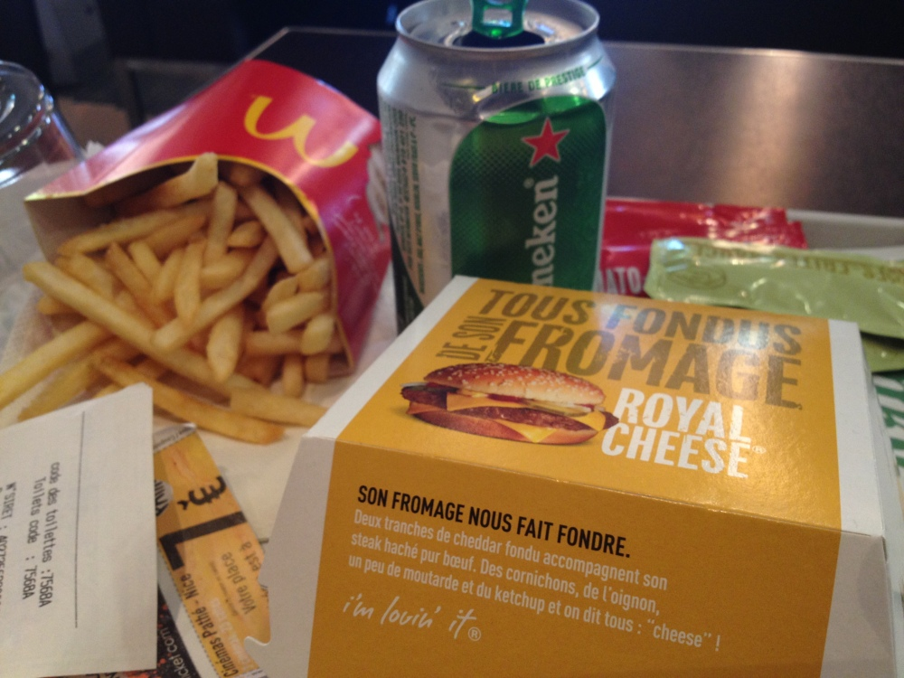 Had another McDonalds run today.  I hardly eat it at home, but considering how cheep it is compared to the rest of the food here, and that they actually use real meat in France...I figured what the hell? Do it live.